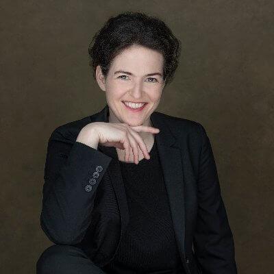 Dorothea Baur